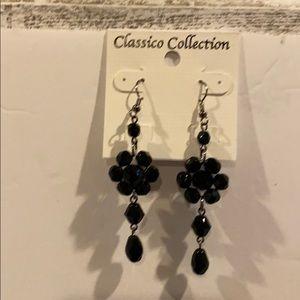 Black flowers 🌺 earrings